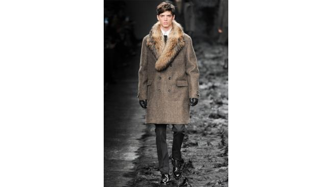 Un uomo elitario quello di Fendi per la fall winter 2014-15