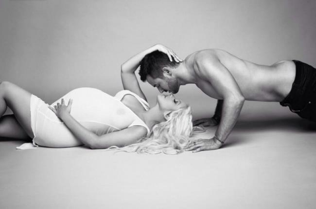 Christina Aguilera nuda su Christina Aguilera V magazine