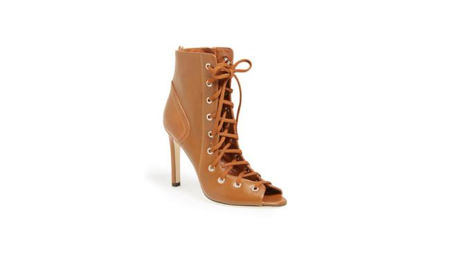Nordstrom Exclusive lancia la nuova collezione di scarpe by Sarah Jessica Parker