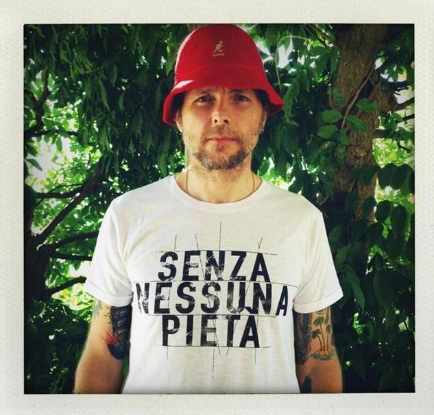 Jovanotti indossa la t-shirt