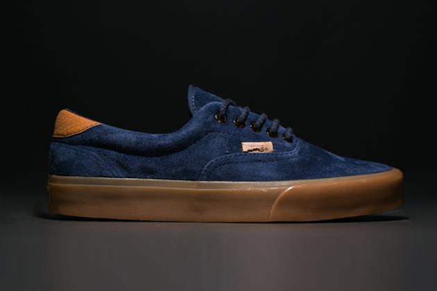 Modello sneakers scamosciato di Vans California Era 59 Gum Sole Pack