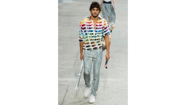 Per l'estate 2014 colora i tuoi capi con un outfit sportswear