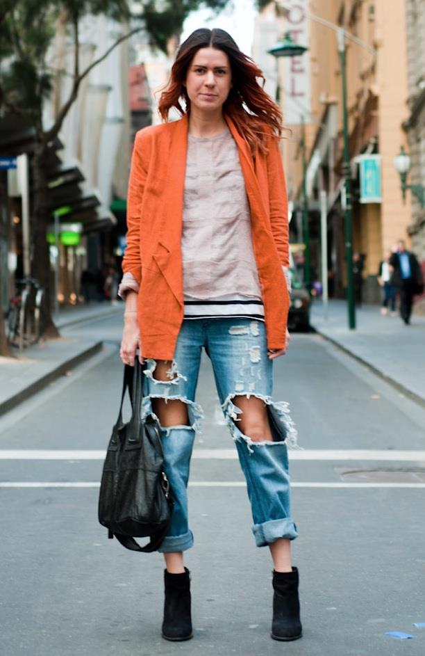 Street style con denim effetto used
