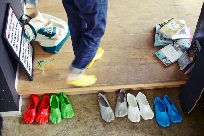 Le nuove pantofole FONDUE SLIPPERS create da Satsuki Ohata