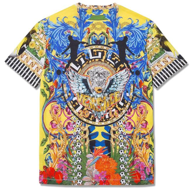 Per la World Cup 2014 Versace confeziona una t-shirt limited edition