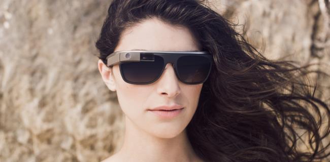 Diane Von Furstenberg presenta la collezione Glass DVF di Google