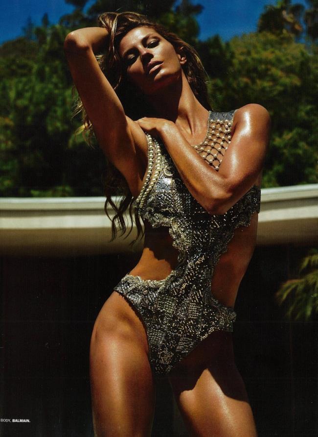 La modella brasiliana Gisele con un costume intero di Balmain sul magazine Lui