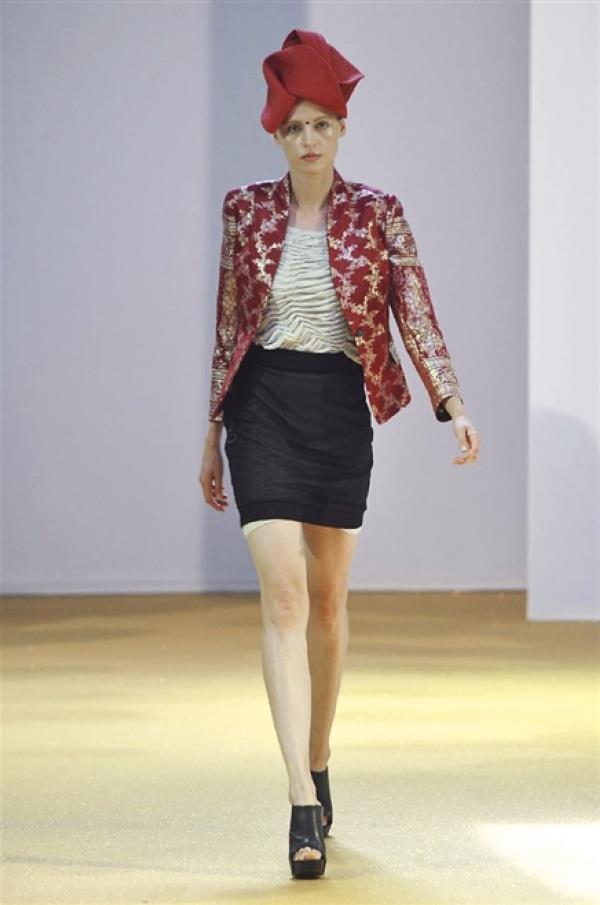 La nuova collezione donna di Tom Rebl per la primavera estate 2015, Milano Fashion Week
