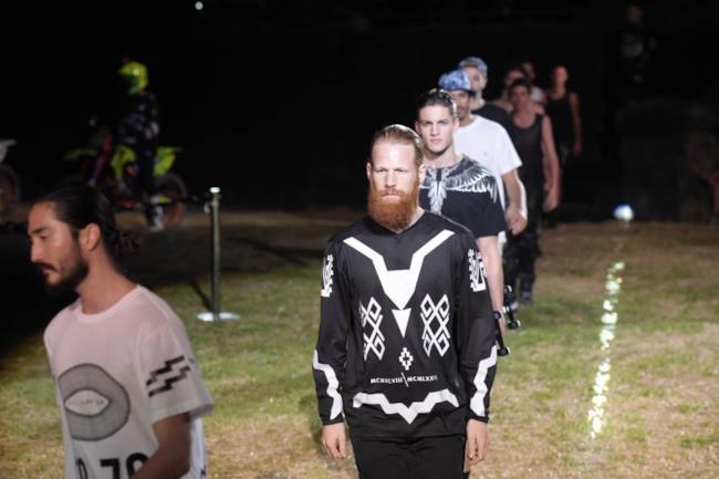 La sfilata di Marcelo Burlon durante il Pitti Uomo collezione primavera estate 2015