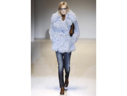save off 5c451 db8a0 Gucci sfila con pellicce colorate e un look casual | Insane ...