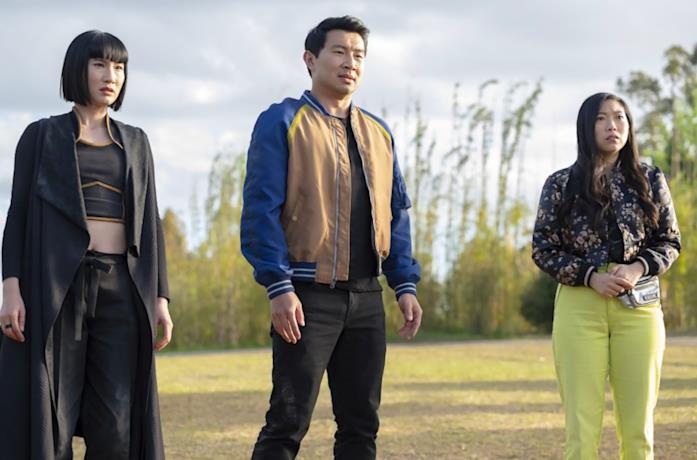 Xialing, Shang e Katy in una scena del film