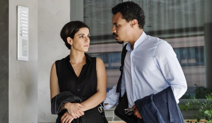 Alba e Malik nella serie