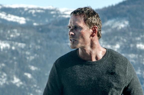 Serial killer, sangue e neve: la recensione de L'Uomo di Neve con Michael Fassbender