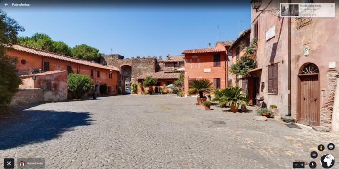 Piazza della Rocca nel borgo di Ostia Antica