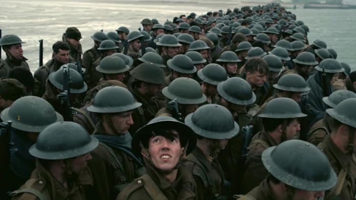 I soldati inglesi sulla spiaggia di Dunkirk