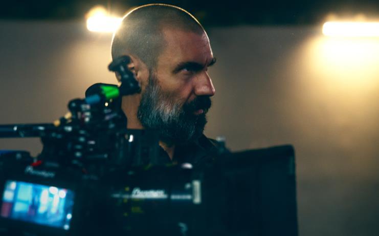 Fabrizio Gifuni sul set di La Belva