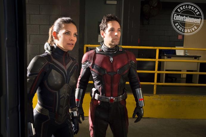 Wasp (Evangeline Lilly) e Ant-Man (Paul Rudd) in una scena del sequel