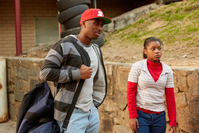 Una scena dal film All Eyez On Me con il protagonista Demetrius Shipp Jr.  (2Pac)