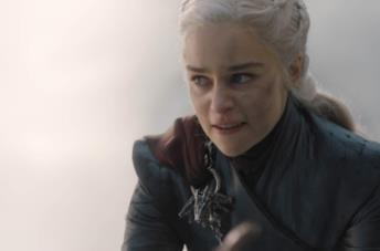 Daenerys in Game of Thrones 8, poco prima di distruggere Approdo del Re