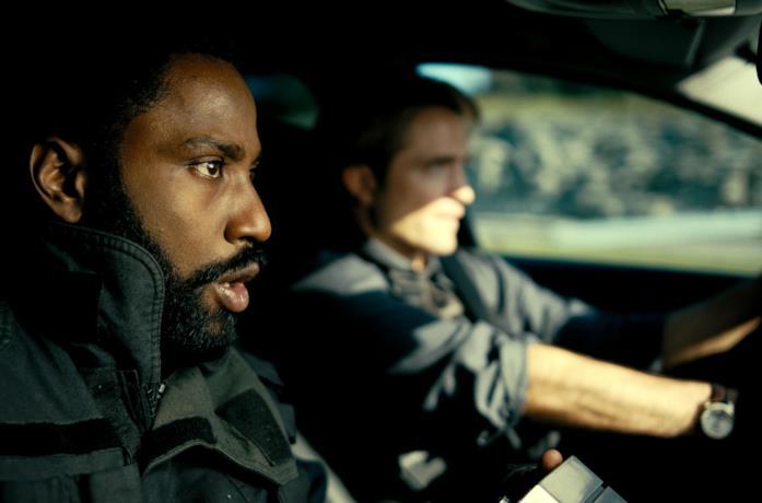 I protagonisti del film in macchina