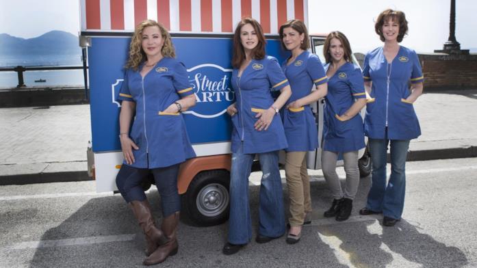 Il cast femminile di Vivi e lascia vivere