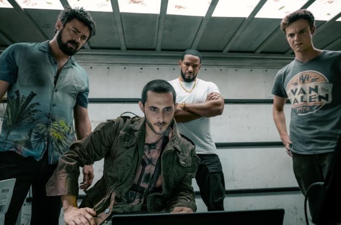 Il cast di The Boys in una scena della serie