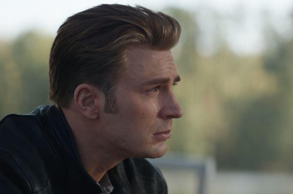 Captain America piange