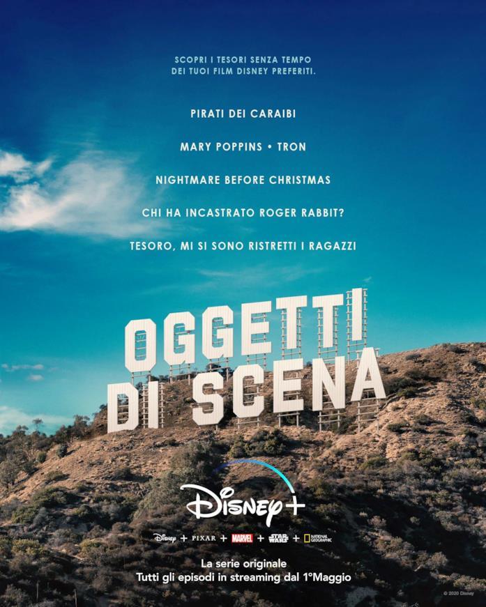 La scritta a caratteri cubitali di Oggetti di Scena al posto di quella classica sulla collina di Hollywood