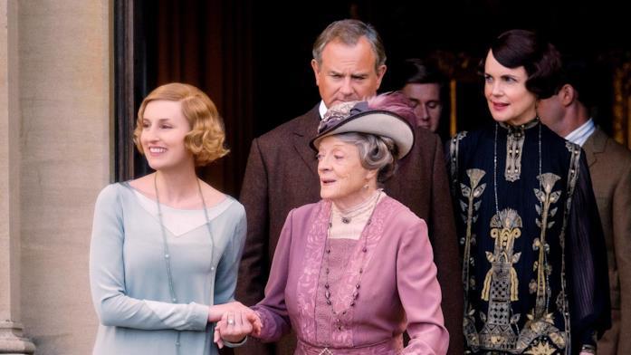 Nel secondo film di Downton Abbey torna la famiglia Crawley: Edith, Violet, Robert e Cora