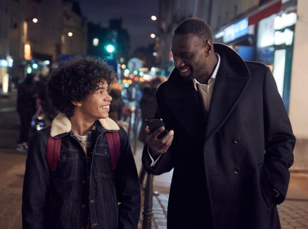 Assane Diop alias Omar Sy e il figlio in Lupin