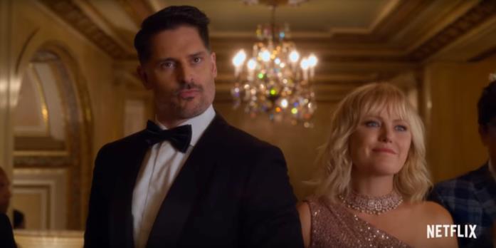 Margot e la sua ex fiamma si trovano in una lussuosa residenza