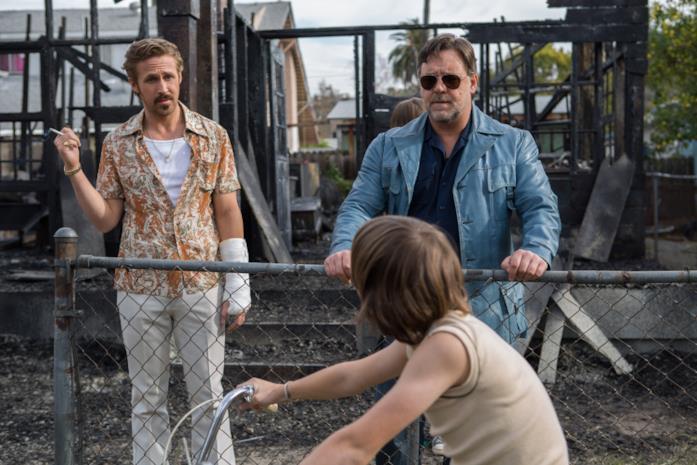 Ryan Gosling e Russell Crowe in una scena del film