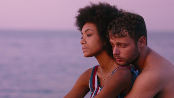 Coco Rebecca Edogamhe e Ludovico Tersigni in una scena di Summertime