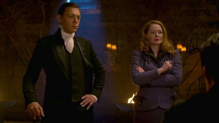 Zelda e Padre Blackwood nella prima stagione de Le terrificanti avventure di Sabrina