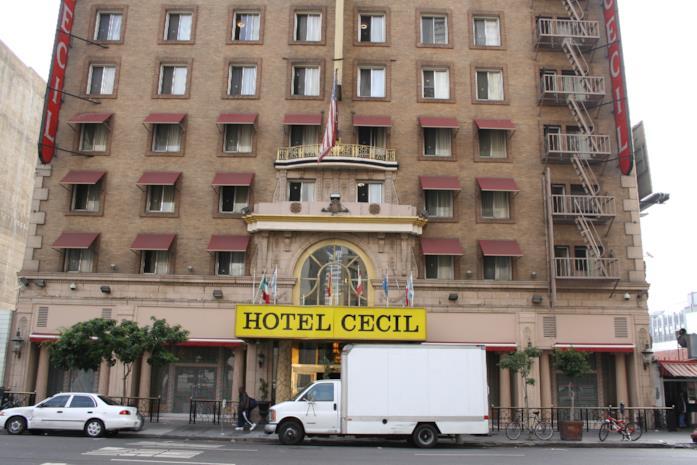Il Cecil Hotel com'era nel 2005