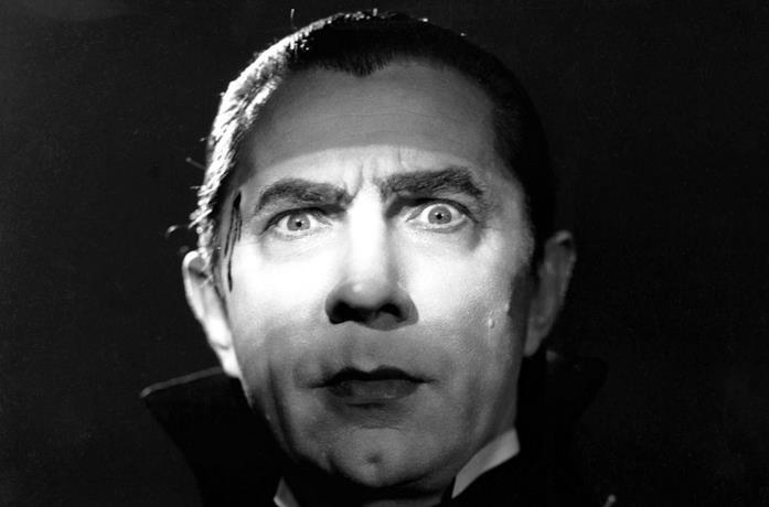 Bela Lugosi in una scena del film Dracula del 1931
