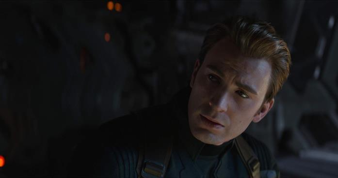 Un primo piano di Steve Rogers nel poster di Avengers: Endgame