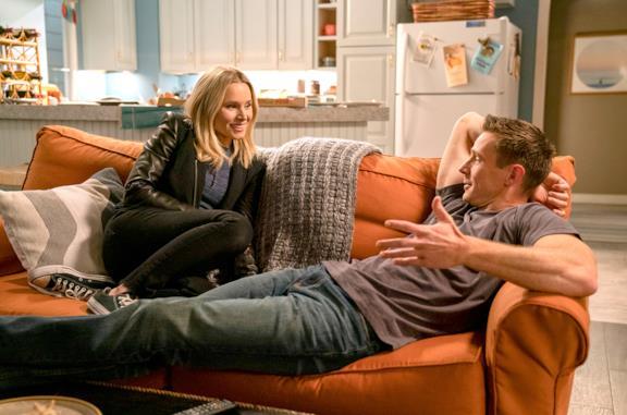 Veronica e Logan in una scena della stagione 4