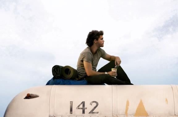 Emile Hirsch è Christopher McCandless in Into the Wild – Nelle terre selvagge