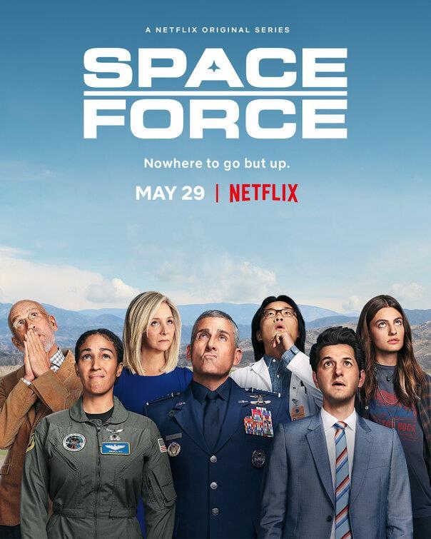 I protagonisti di Space Force che guardano il cielo
