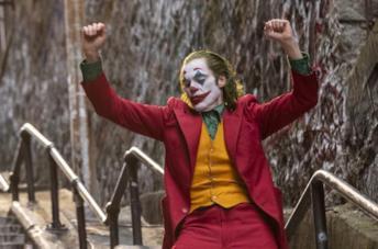 Joker balla in una scena iconica del film