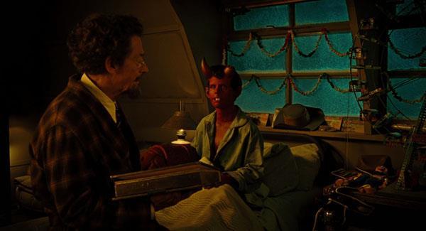 John Hurt nel film