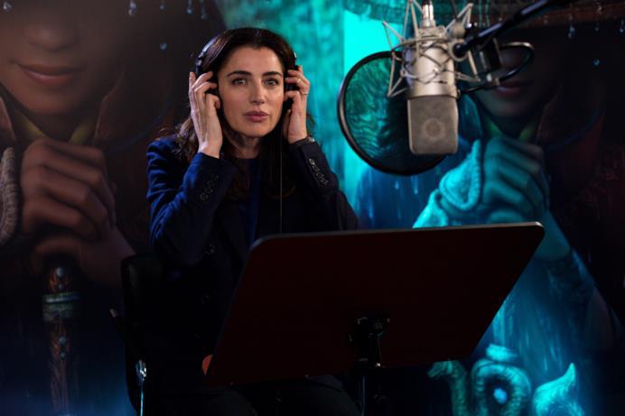 Luisa Ranieri in studio di registrazione