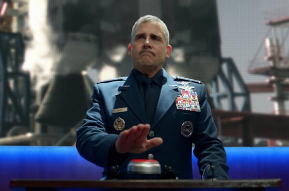Il generale Mark R. Naird preme un bottone