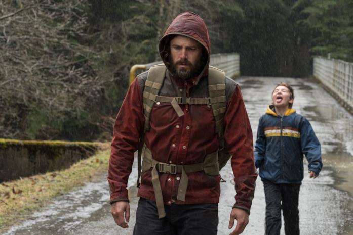 Rag e il suo papà sotto la pioggia