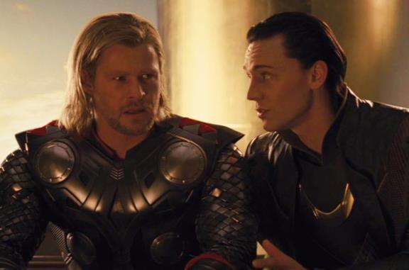 King Loki doveva davvero apparire nella serie, ma poi la scena è stata tagliata