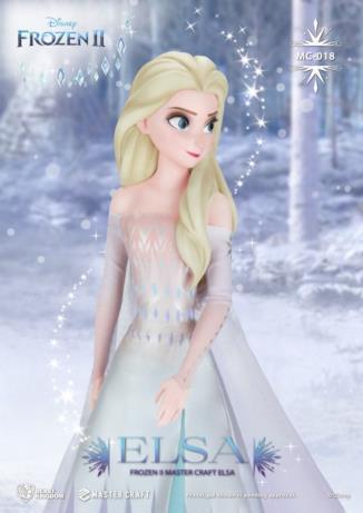 Elsa in vestito color ghiaccio nella statua