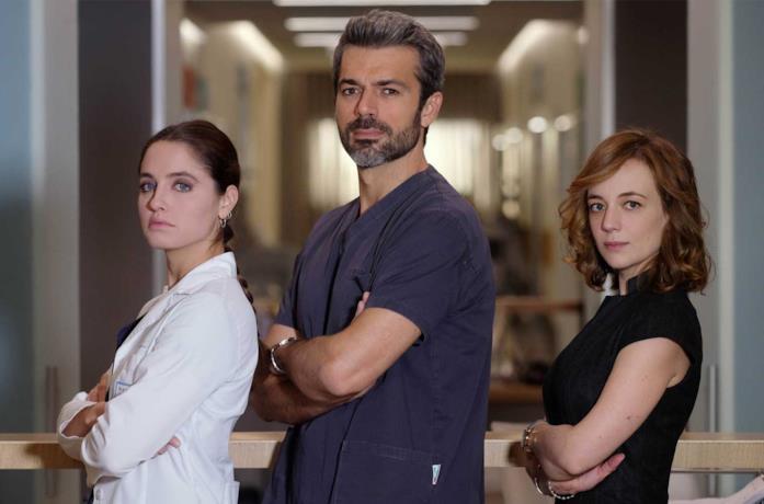 Matilde Gioli, Luca Argentero e Sara Lazzaro in Doc - Nelle tue mani