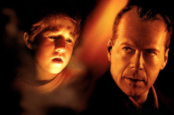 Il sesto senso: il finale e la spiegazione del film con Bruce Willis