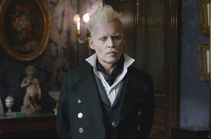 Johnny Depp nel ruolo di Grindelwald